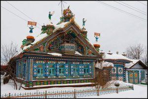A Tribute to Craftsmanship: the Famous Kirillov's House in Kunara