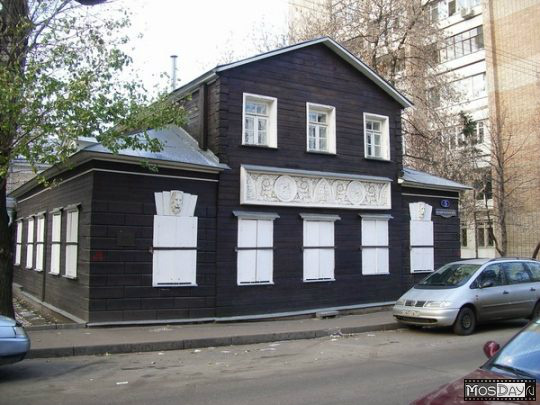 Wooden Moscow: explore some of the remaining wooden houses